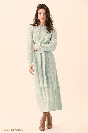 Длинное трикотажное платье фактурной вязки фото