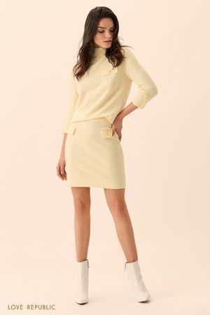 Жёлтая мини-юбка гладкой вязки фото