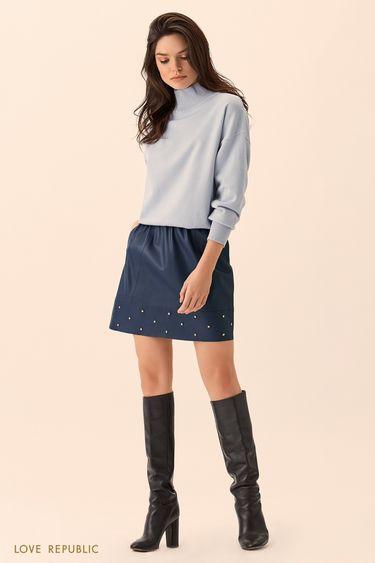 Синий свитер с высоким горлом 01511350825