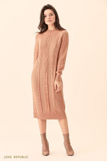 Длинное бежевое платье фактурной вязки 01511610535