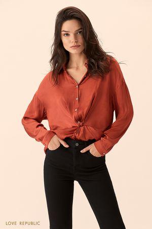 Рубашка кирпичного цвета с узлом на талии фото