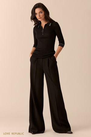 Джемпер-поло чёрного цвета сзастёжкой-молнией