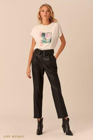 Чёрные брюки с отворотом на поясе