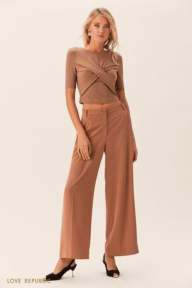 Широкие бежевые брюки из гладкой ткани 0152071719