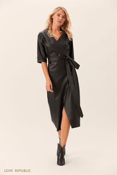 Платье на запахе из искусственной кожи чёрного цвета 0152072518