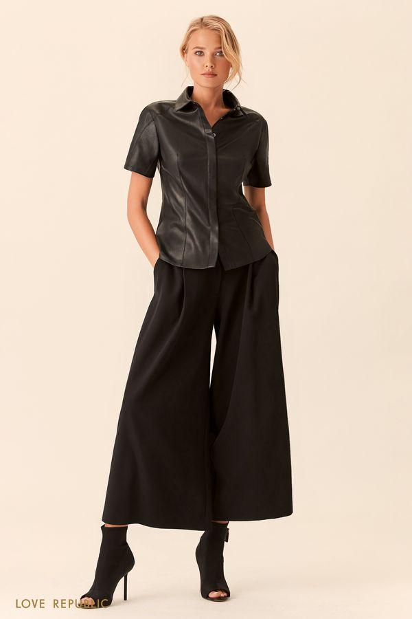 Приталенная чёрная рубашка из искусственной кожи 0153075319-50