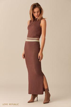 Трикотажное платье шоколадного цвета без рукавов фото