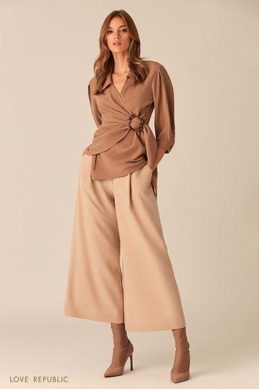Блузка цвета капучино с черепаховой пряжкой  0153775310
