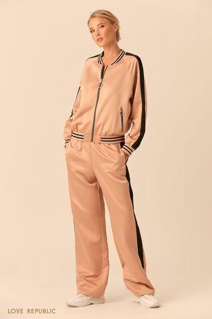 Куртка на молнии из блестящей ткани