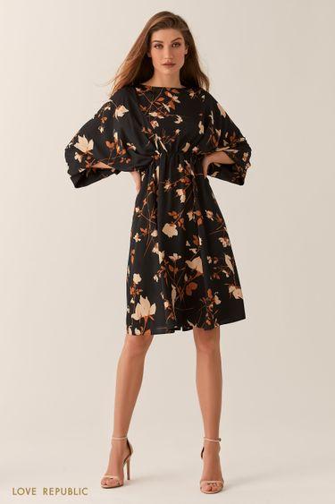 Свободное черное платье-кимоно с флористическим принтом 0254051518