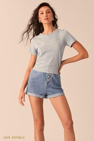 Голубая футболка с узлом на спине фото