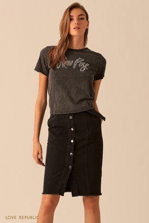 Черная футболка с узлом на спине фото