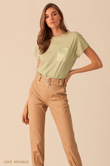 Светло-зелёная футболка с нагрудным карманом 0254131350