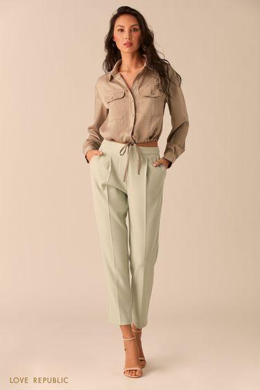 Короткие светло-зелёные брюки со стрелками 02542180718