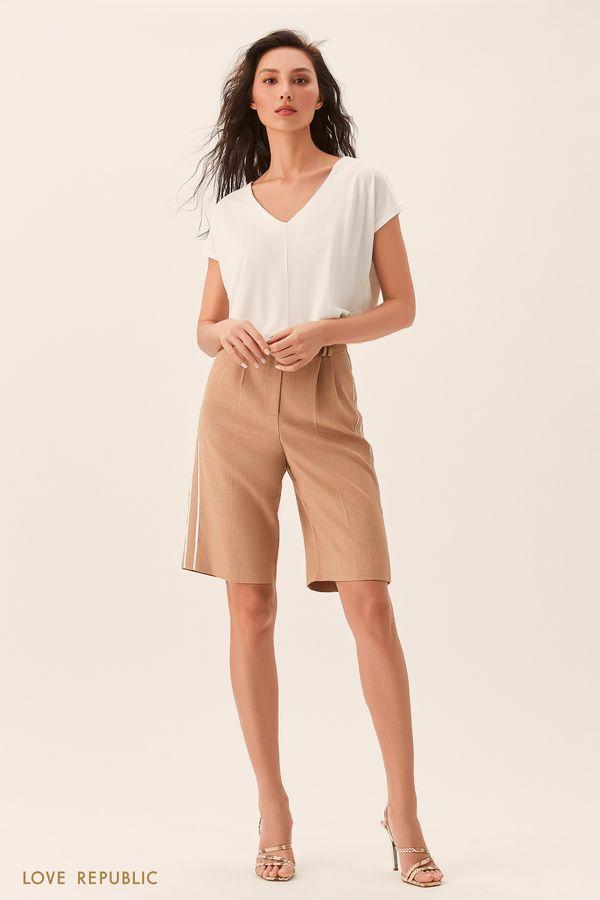 Бежевые шорты-бриджи из костюмной ткани 02542130733-62