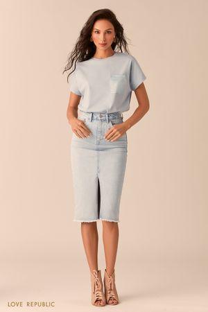 Джинсовая юбка цвета ультрасветлый индиго с разрезом