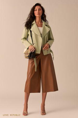Джинсовая куртка-косуха фисташкового цвета фото