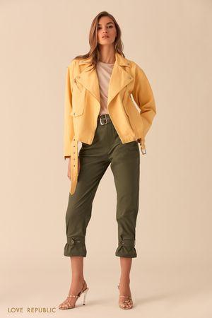 Джинсовая куртка-косуха желтого цвета