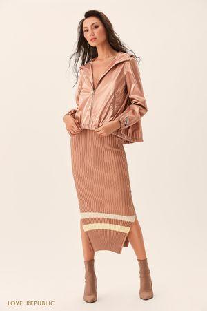 Куртка-ветровка из ткани песочного цвета с капюшоном