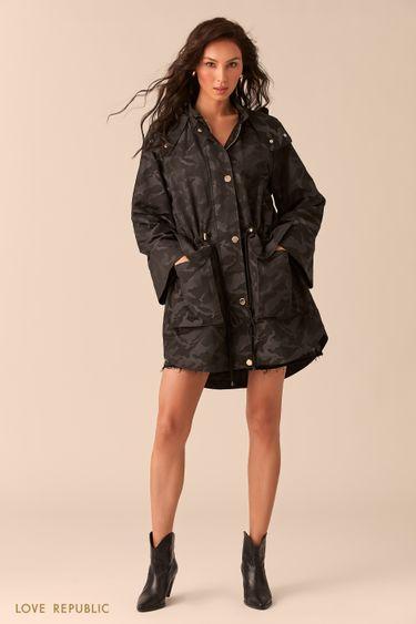 Чёрная куртка с камуфляжным принтом 0254513113