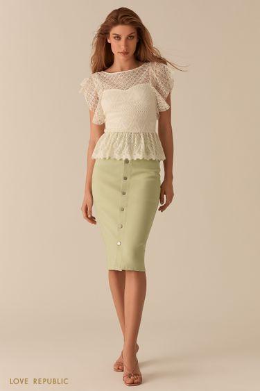 Молочная кружевная блузка с баской 02550880399