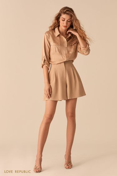 Атласная блузка в стиле милитари бежевого цвета 02550890356