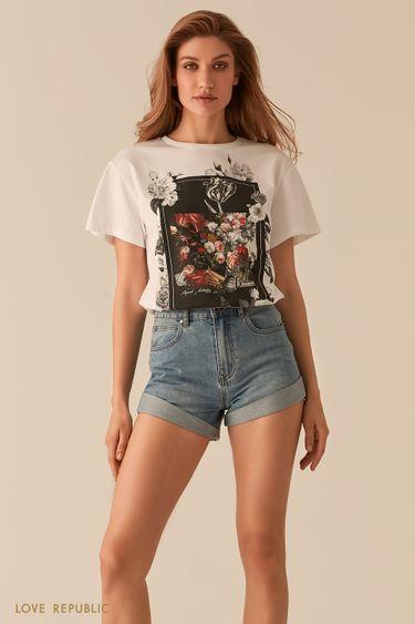 Белая футболка oversize с ярким художественным принтом 0255124360