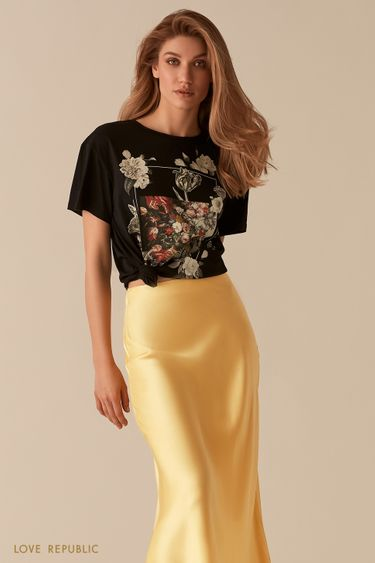 Черная футболка oversize с ярким художественным принтом 0255124360