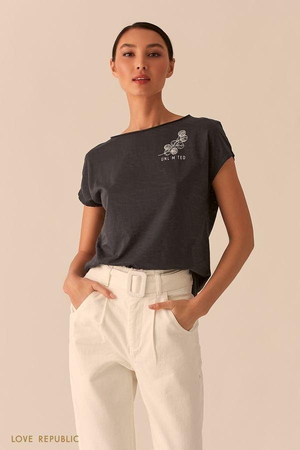 Базовая свободная футболка с лаконичным принтом 0255129369-60