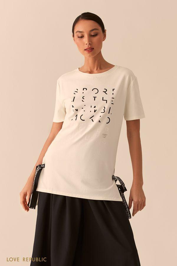 Черная удлиненная футболка с лентами и серебристым принтом 02551390394-50