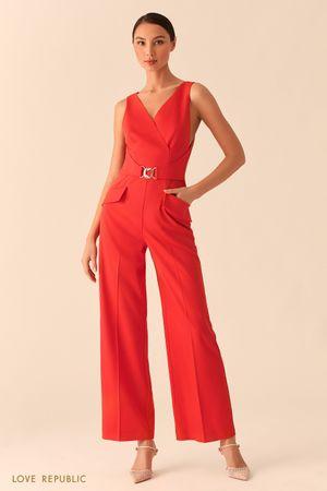 Купить со скидкой Красный комбинезон с верхом на запах и брюками палаццо