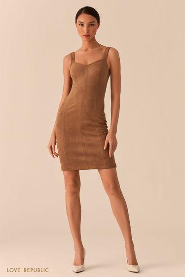 Открытое бежевое платье-футляр из экозамши 02552610573