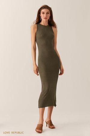 Длинное трикотажное оливковое платье без рукавов