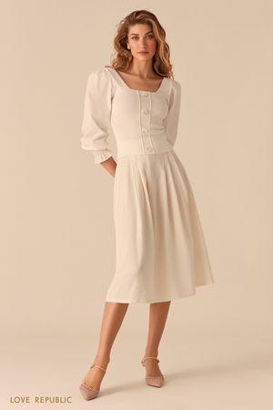 Белая блузка с рукавами-буфами и вырезом каре фото