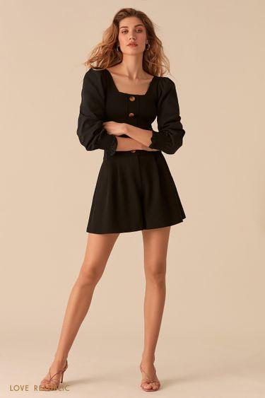 Черная блузка с рукавами-буфами и вырезом каре 02553100808