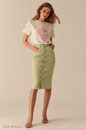 Джинсовая светло-зеленая юбка миди с рядом пуговиц фото