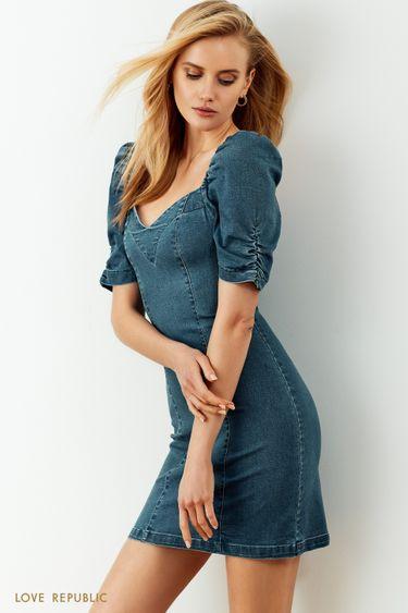 Джинсовое платье в цвете голубой индиго с объемными рукавами и фигурным вырезом 0255441571