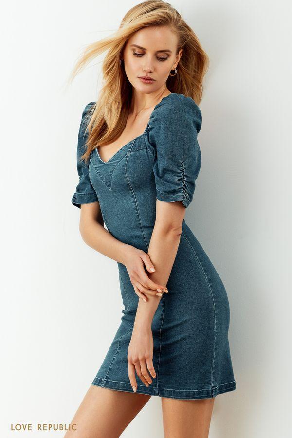 Джинсовое платье в цвете голубой индиго с объемными рукавами и фигурным вырезом 0255441571-102