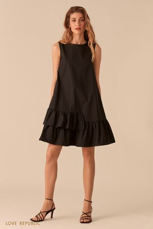 Черное свободное платье-трапеция с воланами фото