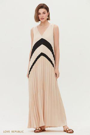 Летнее платье из плиссированной ткани