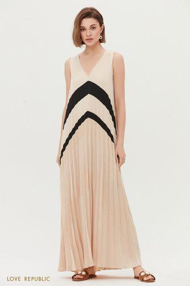 Летнее платье из плиссированной ткани 0256041536