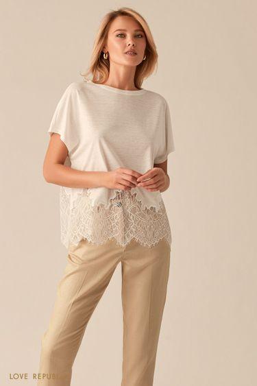 Свободная белая блузка с кружевной вставкой 0256113312