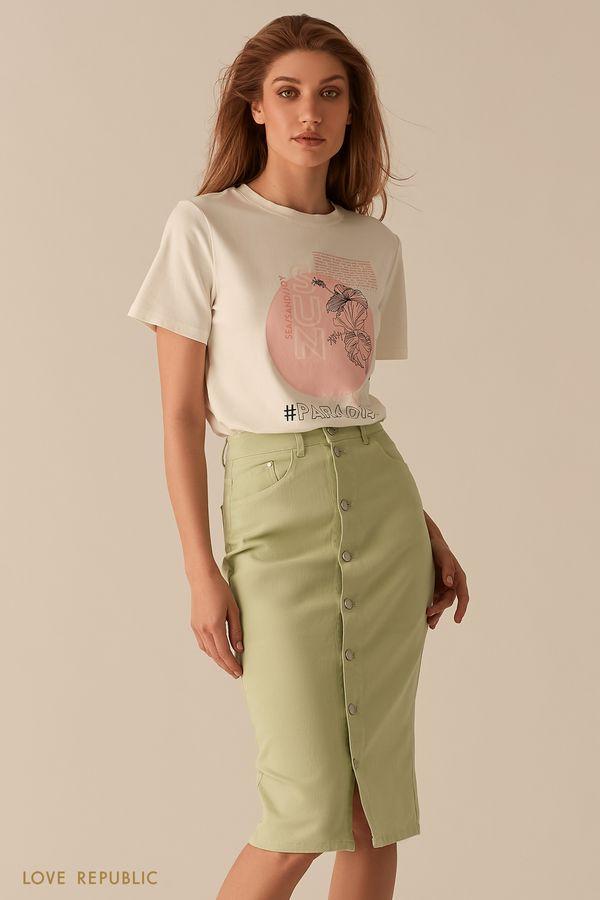Белая футболка с принтом в пастельных тонах 02561180337-1