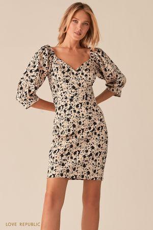 Платье с фигурным лифом на запах и флористичным принтом фото