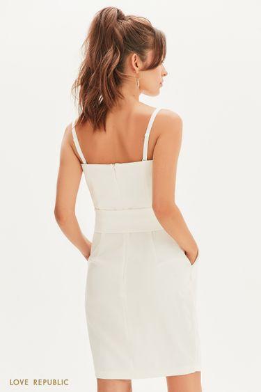 Белое коктейльное платье с поясом 0256241529