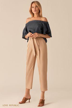 Свободная блузка с открытыми плечами из тенсела фото