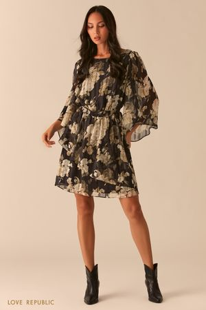 Платье с воздушными рукавами-воланами и плиссировкой фото