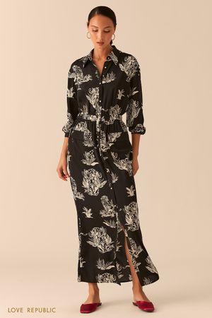 Черное платье-рубашка макси из летящей ткани с принтом фото