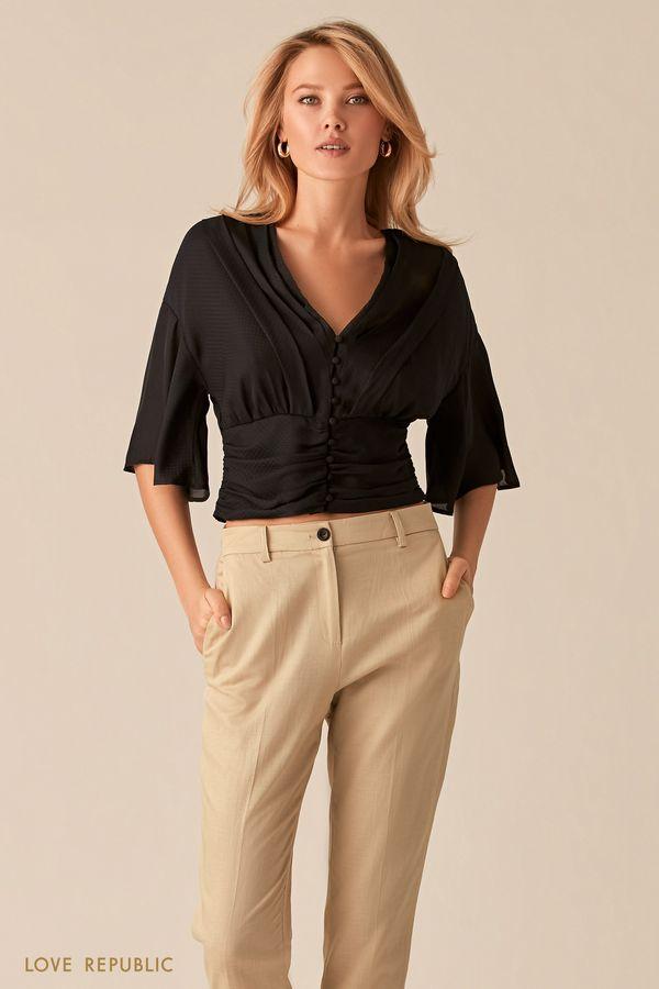 Черная блузка с V-образным вырезом и широкой сборкой на талии 0357024331-50
