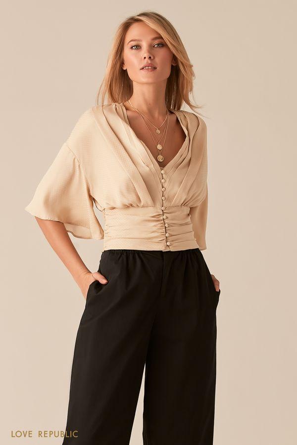 Бежевая блузка с V-образным вырезом и широкой сборкой на талии 0357024331-62